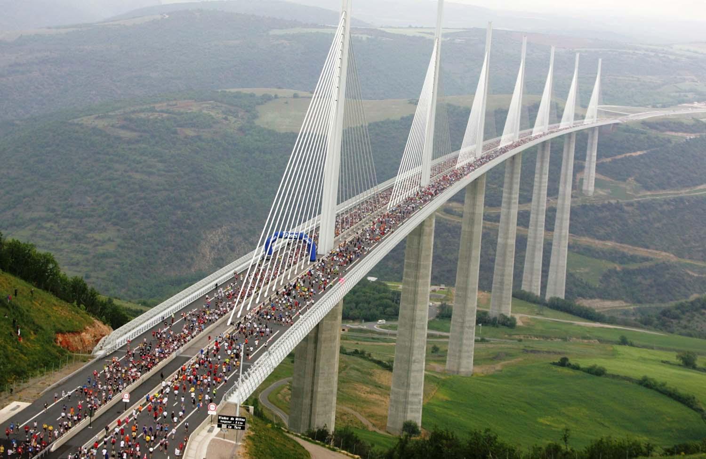 Top 10 cele mai inalte poduri din lume