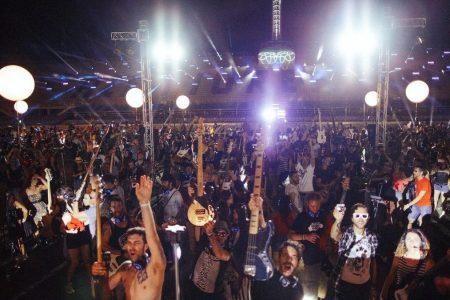Peste 2.000 de muzicieni se vor uni pentru concertul online Global Village