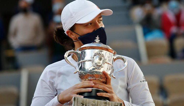 Tenisul French Open: Iga Swiatek, o adolescenta poloneza neremediabila, castiga titlul in fata SUA Sofia Kenin