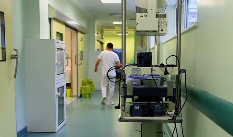 Un medic veterinar din Iasi, obligat sa achite daune morale unui spital! Scandalul a pornit de la o postare pe Facebook facuta dupa moartea tragica a unei fetite
